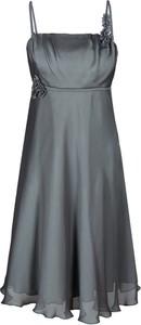 Sukienka Fokus rozkloszowana midi z okrągłym dekoltem