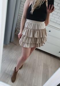 672596e1 mini spódniczka z falbankami - stylowo i modnie z Allani
