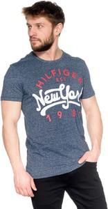 Niebieski t-shirt Hilfiger Denim z krótkim rękawem