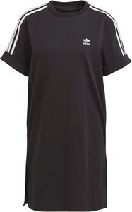 Czarna sukienka Adidas z krótkim rękawem z okrągłym dekoltem