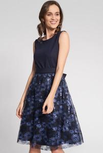 Sukienka QUIOSQUE rozkloszowana