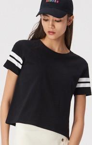 Czarny t-shirt Sinsay w stylu casual z krótkim rękawem