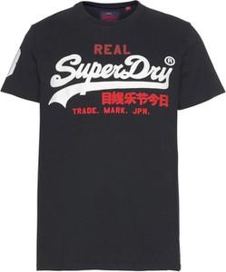 T-shirt Superdry w młodzieżowym stylu z dżerseju