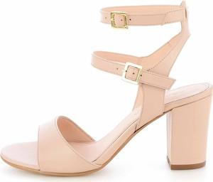 Sandały Prima Moda na obcasie z klamrami ze skóry