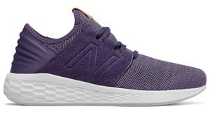 Buty sportowe New Balance z płaską podeszwą sznurowane w sportowym stylu