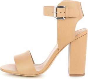 Sandały Prima Moda z klamrami na wysokim obcasie w stylu casual