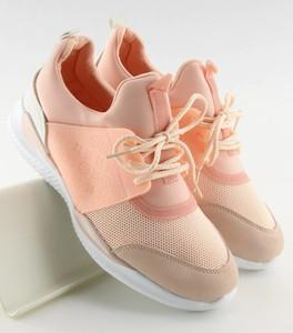 Różowe buty sportowe MojBut.pl ze skóry ekologicznej sznurowane
