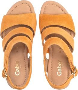 Żółte sandały Gabor z zamszu