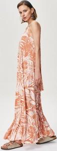 Sukienka FEMESTAGE Eva Minge bez rękawów z dekoltem w kształcie litery v