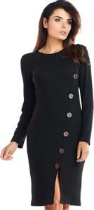 Czarna sukienka Awama dopasowana