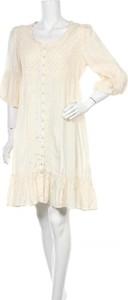 Sukienka Cream oversize z długim rękawem