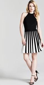 Czarna sukienka Guess bez rękawów