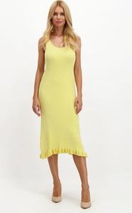 Sukienka Lavard wyszczuplająca z dekoltem w kształcie litery v na ramiączkach