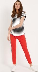 Czerwone spodnie Diverse