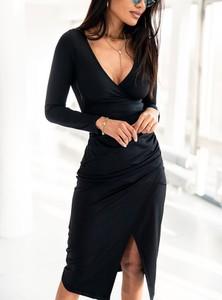 Czarna sukienka SELFIEROOM kopertowa z długim rękawem w stylu casual