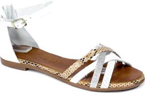 Sandały Verano z klamrami w stylu casual