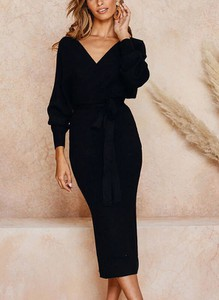 Czarny sweter Sandbella w stylu casual
