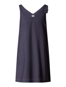 Sukienka Ichi z dekoltem w kształcie litery v prosta bez rękawów