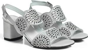 Sandały Dilusso na średnim obcasie w stylu casual