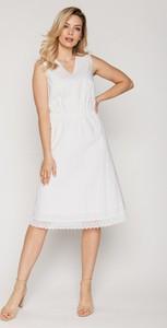 Sukienka Rabarbar trapezowa bez rękawów z tkaniny