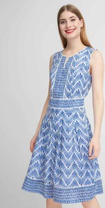 Niebieska sukienka QUIOSQUE bez rękawów w stylu casual