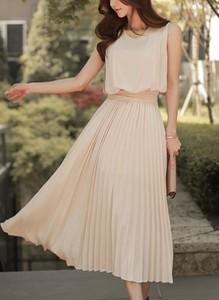 Sukienka Cikelly midi bez rękawów