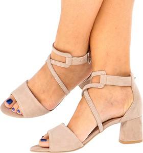 Sandały Tymoteo z klamrami ze skóry w stylu klasycznym