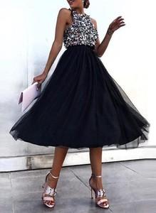 Sukienka Sandbella bez rękawów z okrągłym dekoltem rozkloszowana