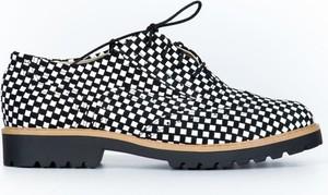 Półbuty Zapato w stylu vintage ze skóry