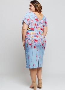 Sukienka Grandio midi z tkaniny z krótkim rękawem
