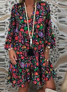 Sukienka Arilook z dekoltem w kształcie litery v mini