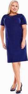 Niebieska sukienka Fokus z okrągłym dekoltem midi