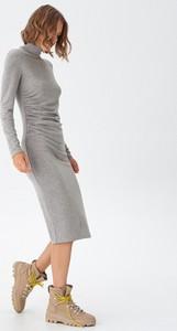 Sukienka House z długim rękawem midi w stylu casual
