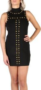 Czarna sukienka Guess z golfem