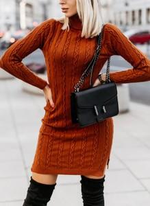 Brązowa sukienka Sandbella w stylu casual z długim rękawem dopasowana