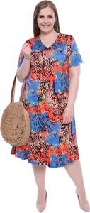 Sukienka modneduzerozmiary.pl z krótkim rękawem w stylu casual