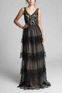 Czarna sukienka TAGLESS