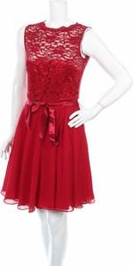Sukienka Swing z okrągłym dekoltem mini