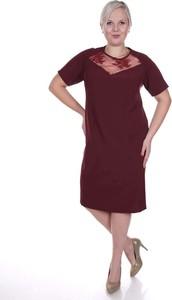 Czerwona sukienka Fokus z okrągłym dekoltem mini z krótkim rękawem