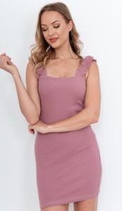 Różowa sukienka ZOiO.pl w stylu casual z okrągłym dekoltem z bawełny
