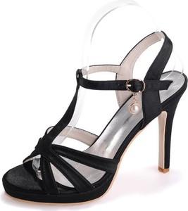 Czarne sandały Sandbella