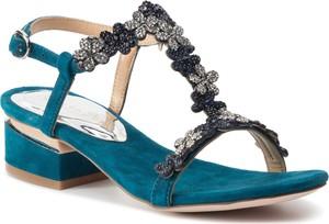 Niebieskie sandały Alma en Pena na obcasie w stylu casual z klamrami