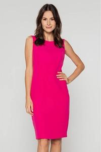 Różowa sukienka Bialcon mini ołówkowa z okrągłym dekoltem