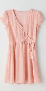 Różowa sukienka Cropp z krótkim rękawem z dekoltem w kształcie litery v z szyfonu