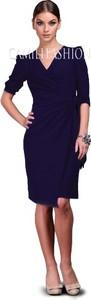 Sukienka Camill Fashion z dekoltem w kształcie litery v dla puszystych midi
