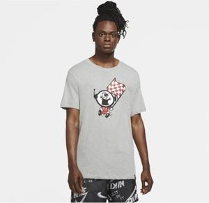 T-shirt Nike z nadrukiem w sportowym stylu z krótkim rękawem