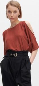 Czerwona bluzka Reserved z okrągłym dekoltem