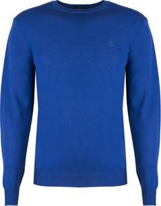 Niebieski sweter ubierzsie.com w stylu casual