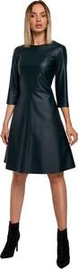 Czarna sukienka MOE z długim rękawem