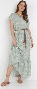 Zielona sukienka born2be maxi z krótkim rękawem trapezowa
